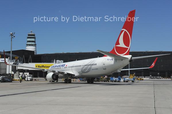 2012-06-08 TC-JYB Boeing 737-900 THY