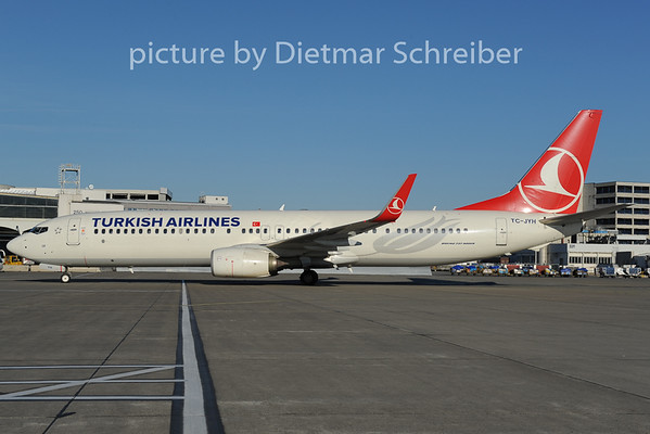 2014-01-06 TC-JYH Boeing 737-900 THY