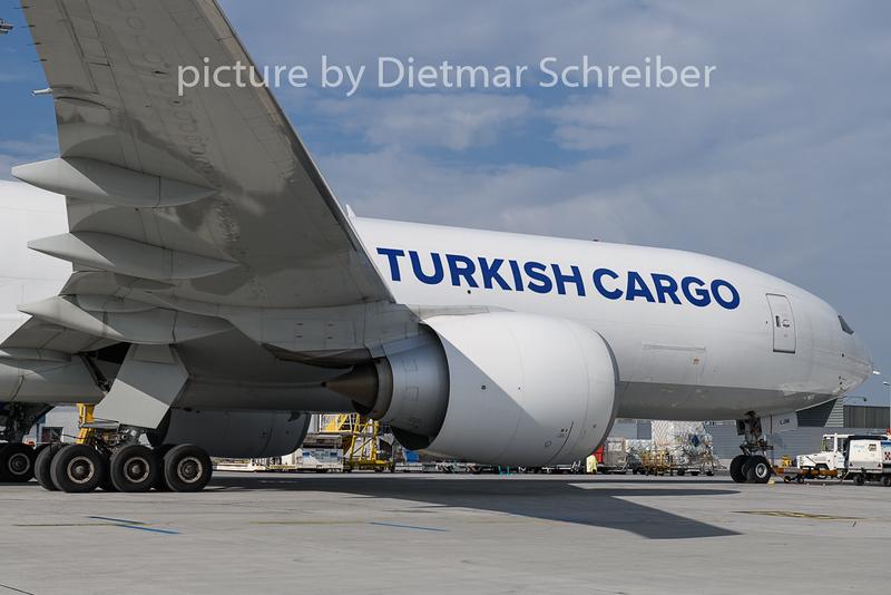 2018-10-26 TC-LJM Boeing 777-200 THY