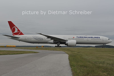 2011-10-10 TC-JJL Boeing 777-300 THY