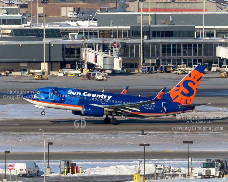 Sun Country 737-700