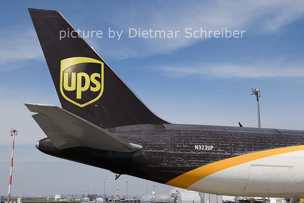 2021-04-12 N323UP Boeing 767-300 UPS