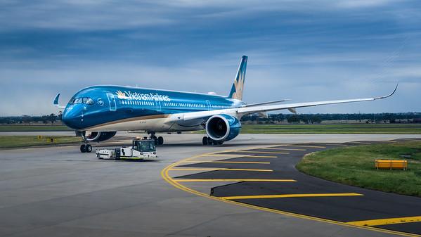 VIETNAM AIRLINES_A350-941_VN-A899_MLU_031119