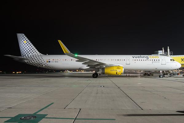 2015-11-13 EC-MHA Airbus A321 Vueling