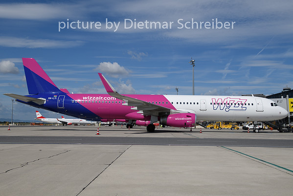 2020-08-23 HA-LTI Airbus A321 Wizzair