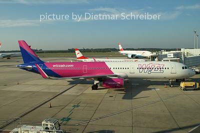 2020-08-12 HA-LTI AIrbus A321 Wizzair