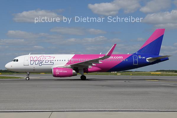 2021-08-25 HA-LWX Airbus A320 Wizzair