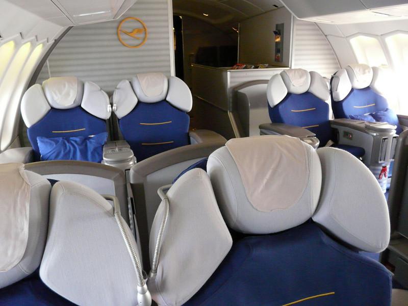 704 LH FRA-DEN first class cabin