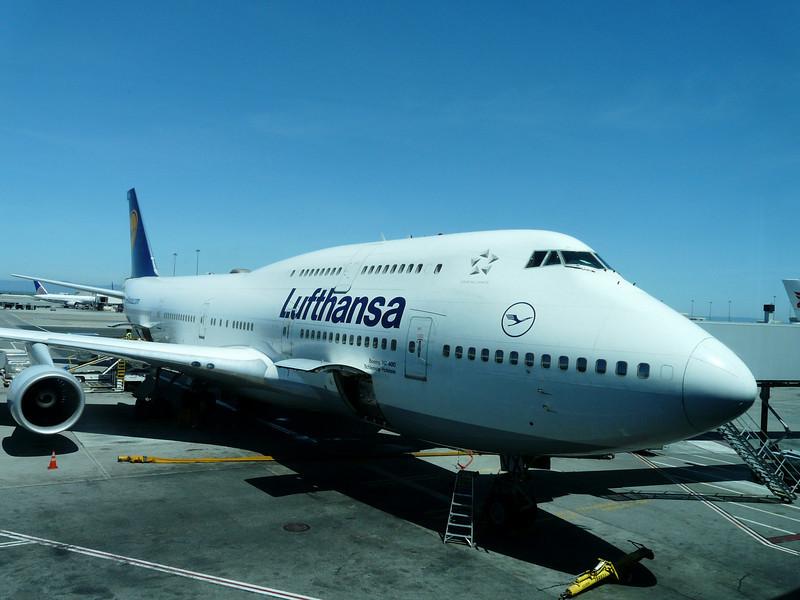 102 Lufthansa 747 to Frankfurt