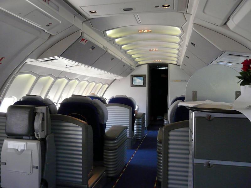 703 LH FRA-DEN first class cabin