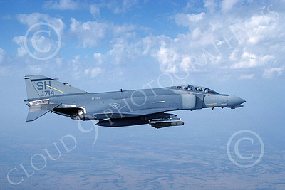 F-4USAF 00040 A flying McDonnell Douglas F-4D Phantom II AFRES 66714 SH code 8-1988 military airplane picture by Don Spering