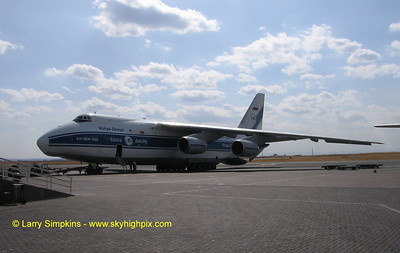Antonov AN124, at Nairobi, Kenya. August 2008. Image# 016