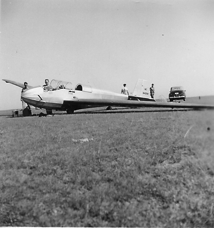 September 1946 - Setting up the Sail-Liner for the first test hop at Anopholes Field - Cheyenne, Wyoming