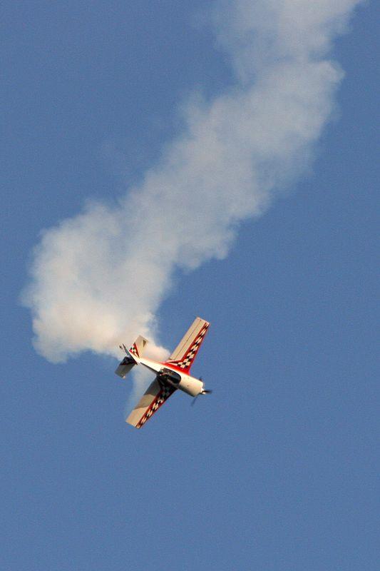"""2005 Macon Cherry Blossom Festival, Gary Ward, <a href=""""http://www.garywardaerobatics.com/"""">http://www.garywardaerobatics.com/</a>, Giles 202"""