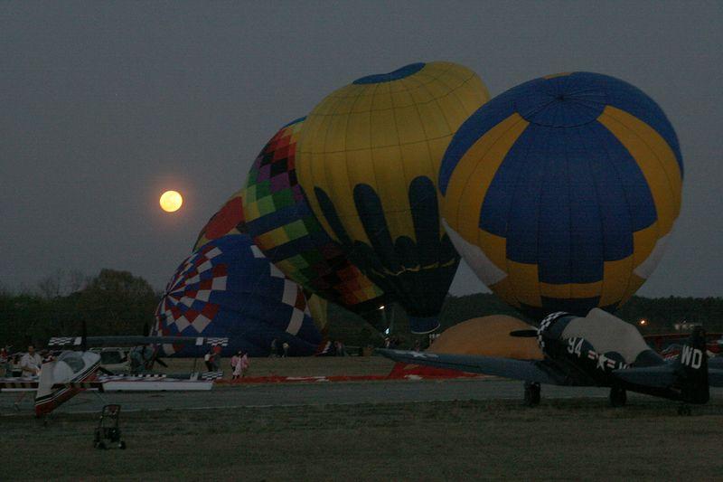 Macon Cherry Blossom Festival, Balloons at Sunset