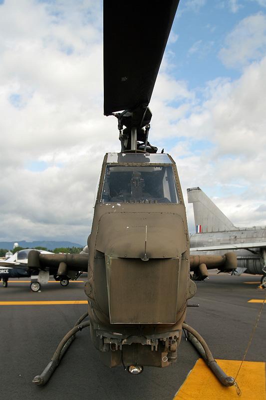 Bell AH-1E Cobra (209) 77-22791 (cn 22129) Sigma 18-50mm f/2.8 EX DC