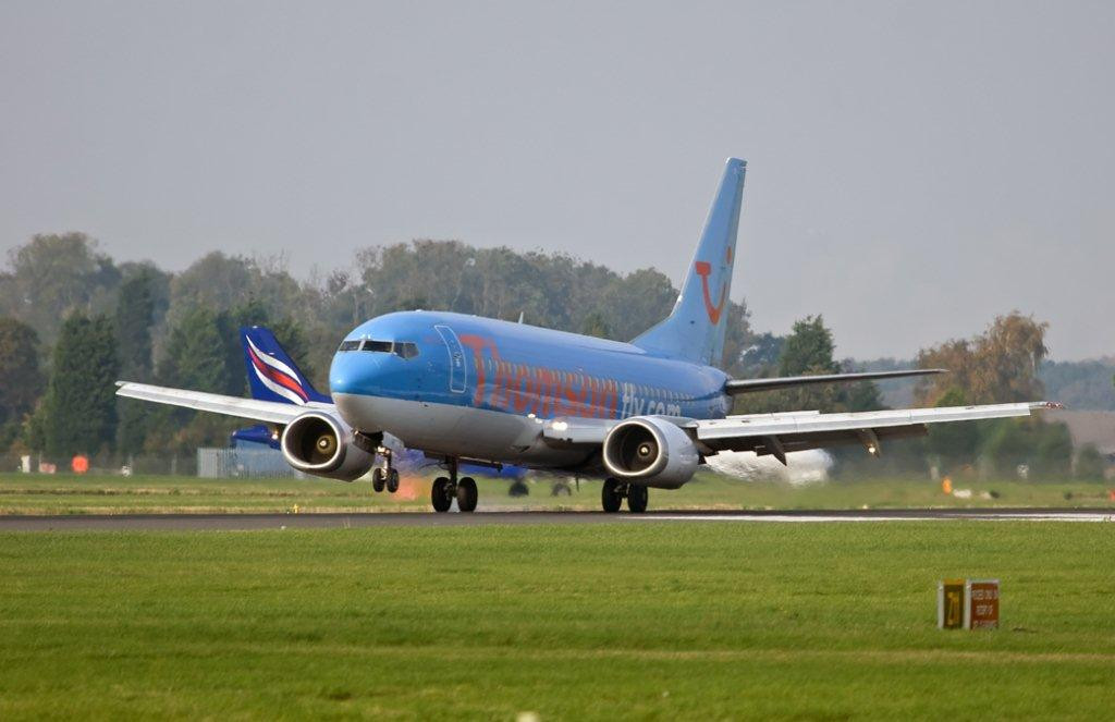 Thomson Airways B738  G-CDZI<br /> By Stuart Allen.