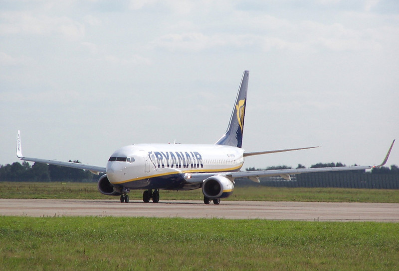 Ryanair 737 <br /> By Clive Featherstone.