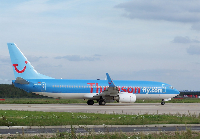 Thomson Airways 737-800 G-FDZP<br /> By Clive Featherstone.