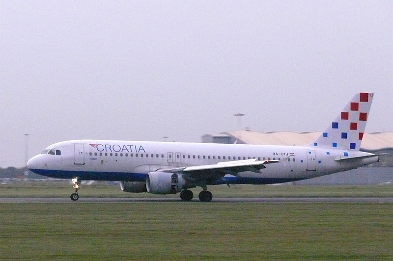 Croatia Airlines A-320 9A-CTJ<br /> By Clive Featherstone.