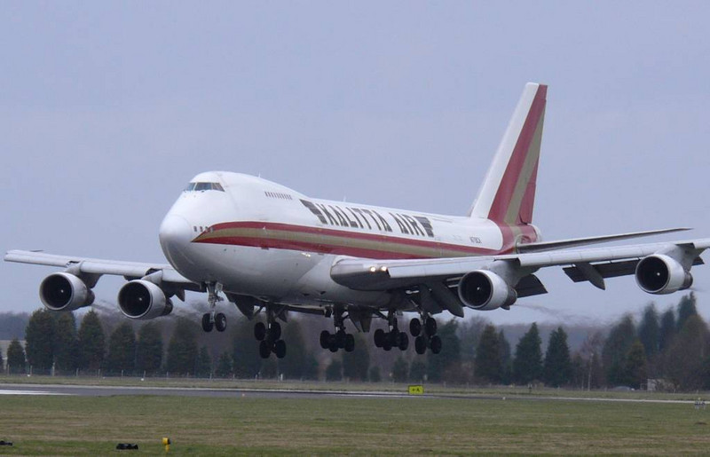 Kalitta Air 747-100 N719CK<br /> By Clive Featherstone.