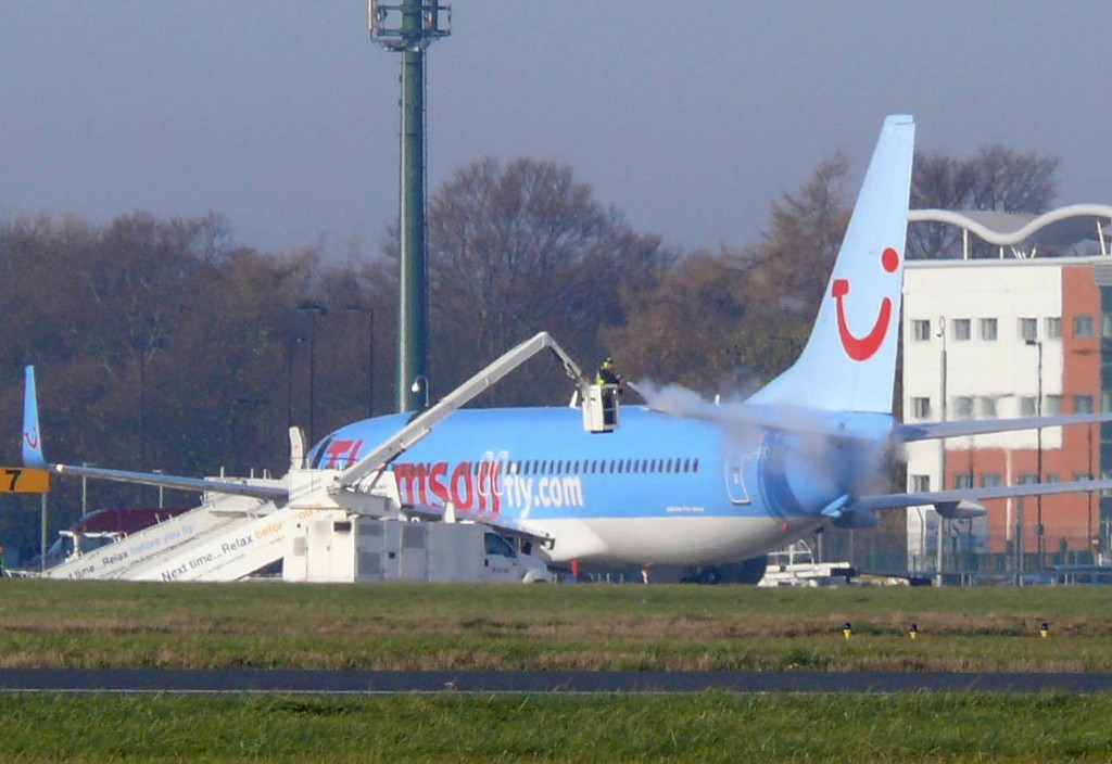 Thomson Airways B738 G-FDZF being de-iced.<br /> By Clive Featherstone
