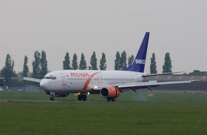 Pegasus Boeing 737-800  TC-APU<br /> By Stuart Allen.