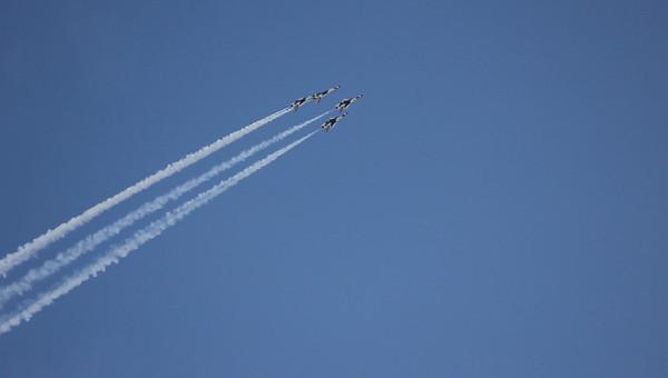 Salinas Airshow Thunderbirds 2010 049