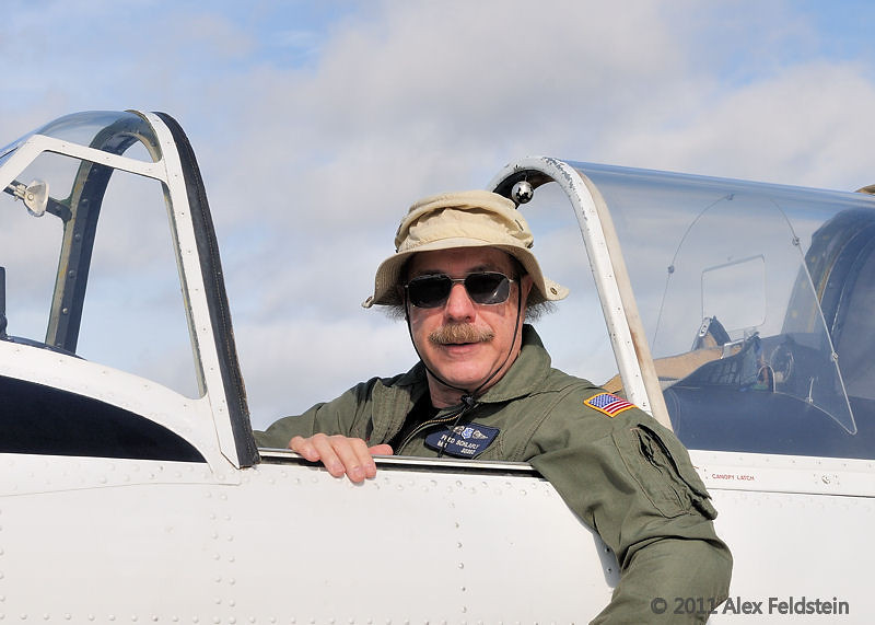 Yak 52 pilot