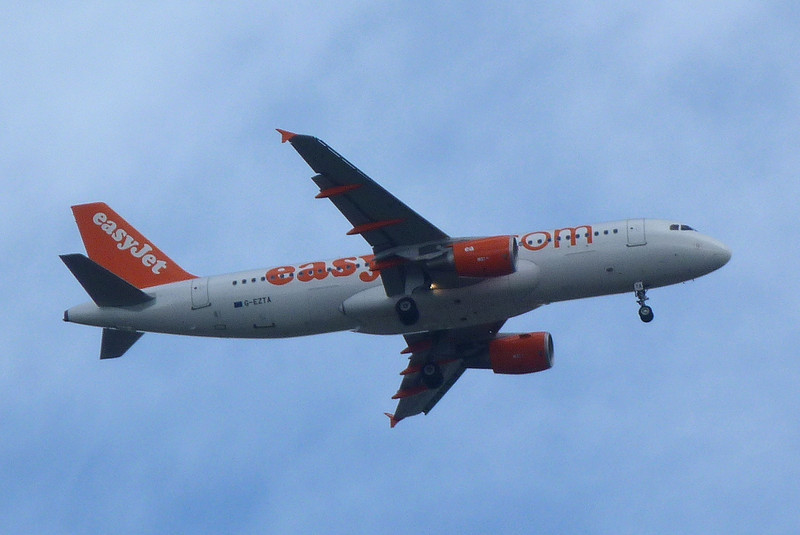 An unplanned first visit to DSA by an Easyjet A320..........G-EZTA passes over Thorne inbound for rnwy 20 after smoke was reported in the cabin.<br /> By Clive Featherstone.