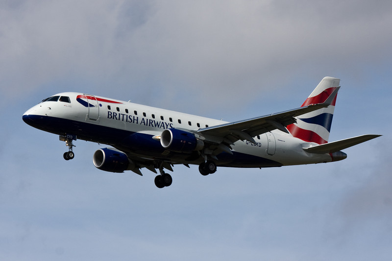 British Airways Embraer 170 G-LCYD on finals for rnwy 20.<br /> By David Bladen.