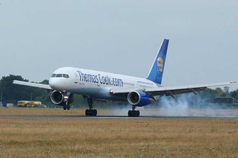 Thomas Cook 757-200 G-FCLI<br /> By Clive Featherstone