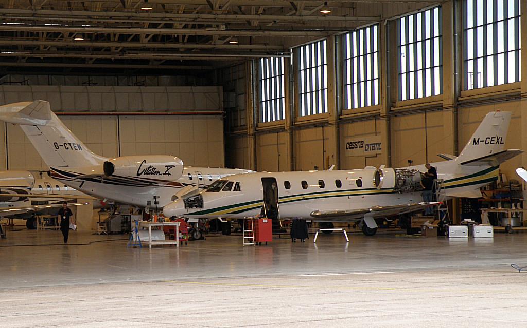 Cessna 750 Citation X  G-CTEN & Cessna 560 Citation XL  M-CEXL<br /> By Correne Calow.