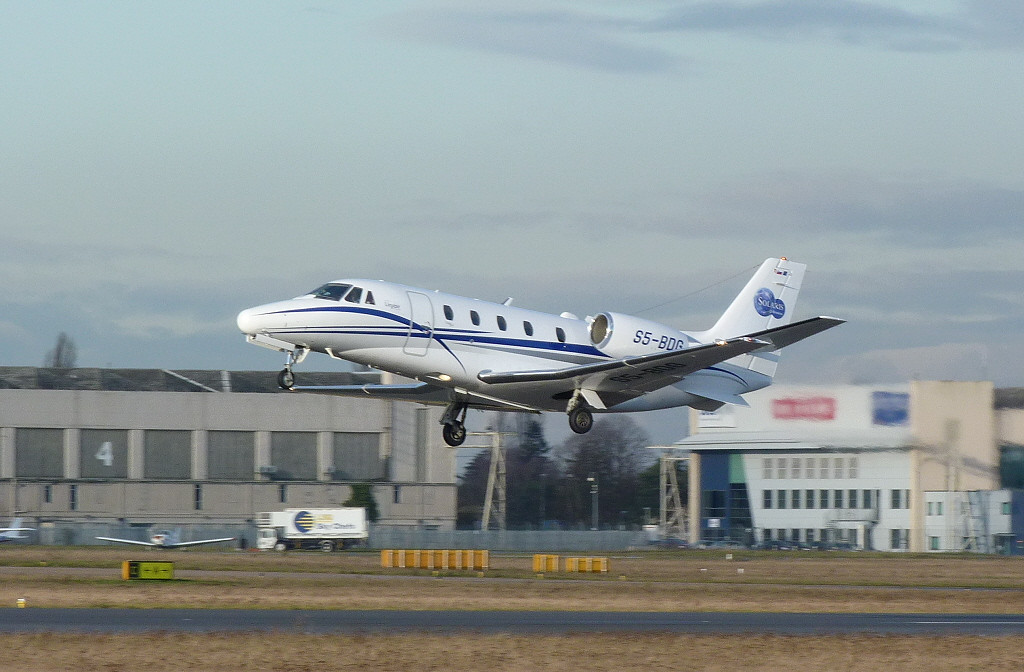 Cessna 560XL Citation Excel S5-BDG.<br /> By Clive Featherstone.