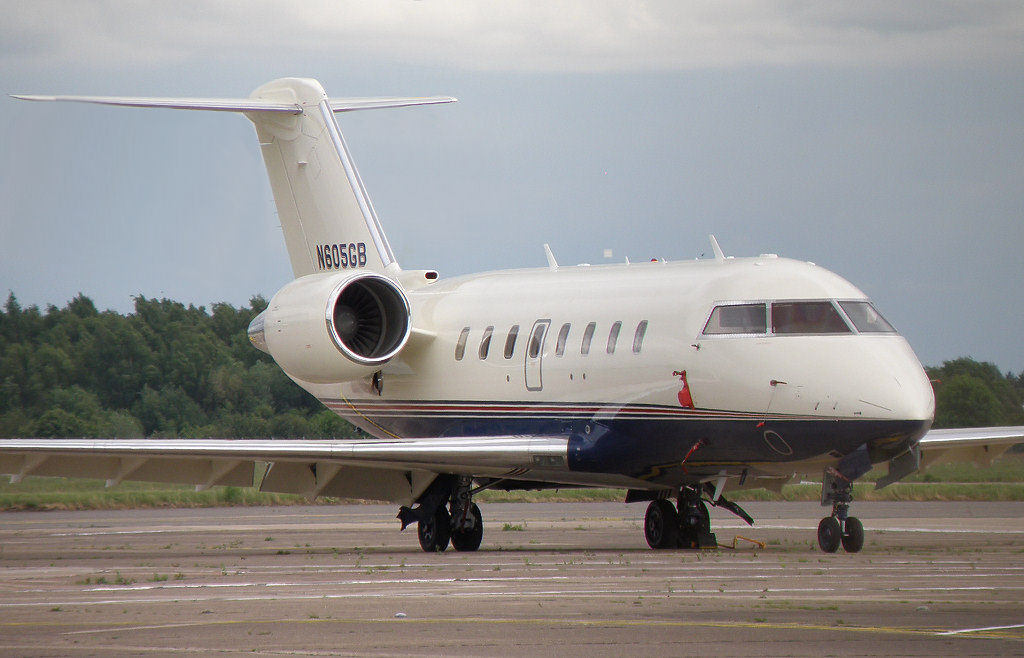 Bombardier CL600 2B16 Challenger 605  N605GB<br /> By Correne Calow.