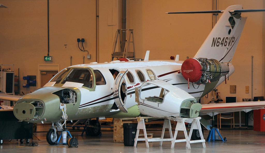 Leeds accident victim.........Cessna 525 CitationJet CJ1+ N646VP.<br /> By Jim Calow.
