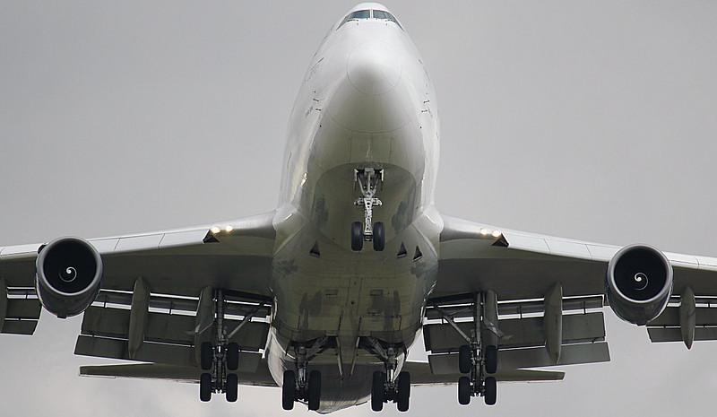 Global Supply 747-400 G-GSSB. By Jim Calow.