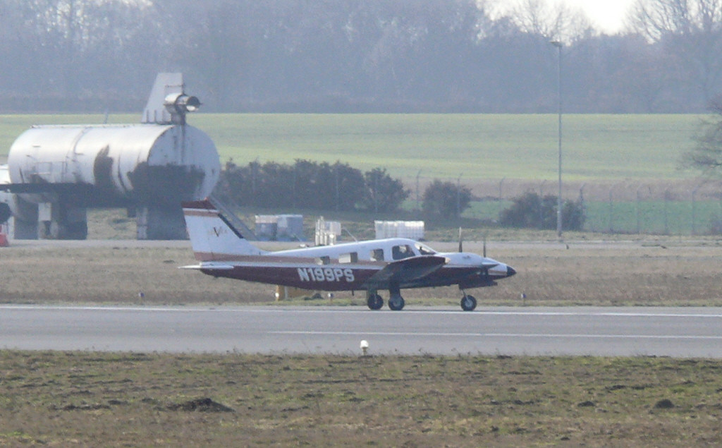 PA-34 Seneca N199PS<br /> By Clive Featherstone.