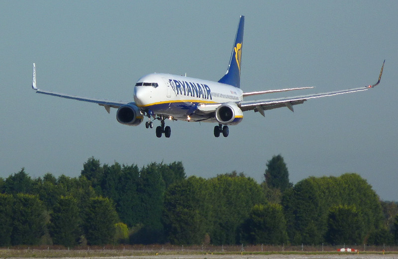 A first time visit for Ryanair's 737-800 EI-EML.<br /> By Clive Featherstone.