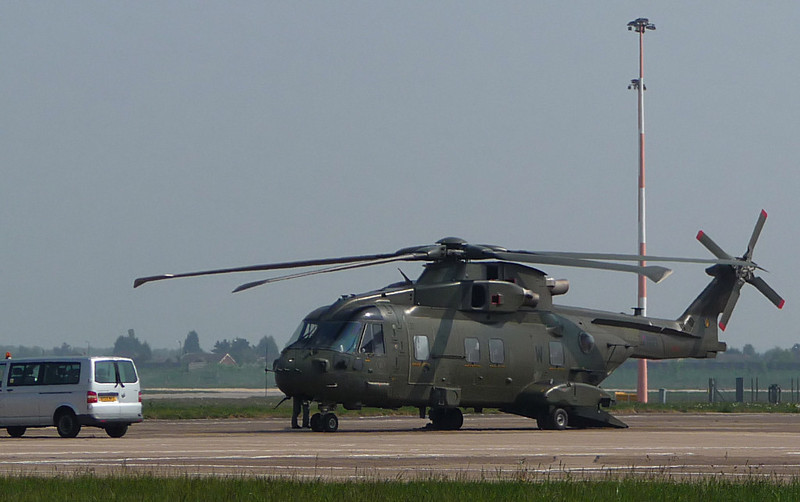 RAF Agusta Westland EH101 Merlin HC3, ZJ137 / W <br /> By Correne Calow.