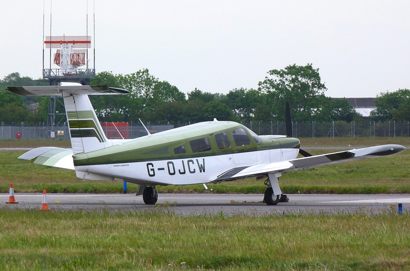 PA-32 Cherokee Lance II  G-OJCW<br /> By Clive Featherstone.
