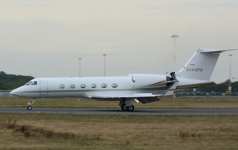 Gulfstream IV  N1449K<br /> By Clive Featherstone.