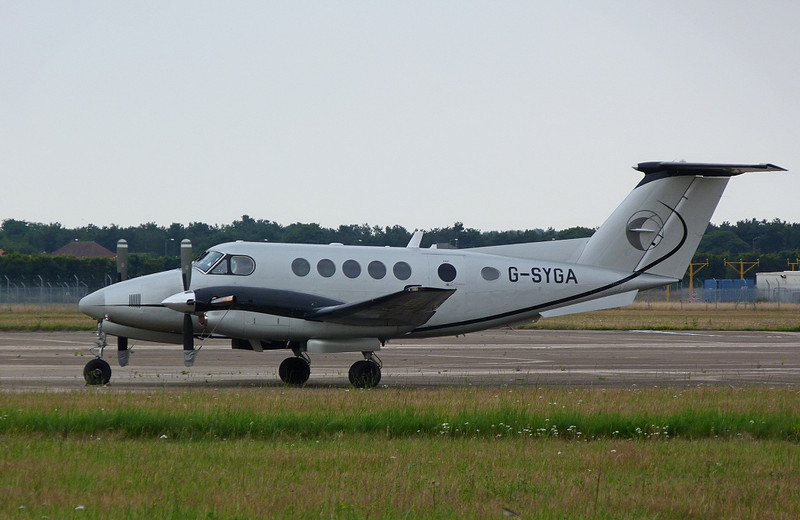 Beech 200 King Air G-SYGA<br /> By Clive Featherstone