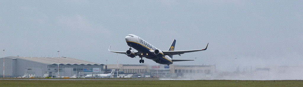Ryanair 737-800 EI-EMC.<br /> By Clive Featherstone.