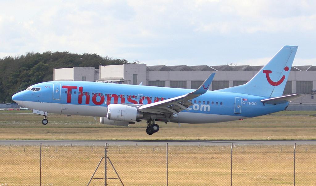 Thomson Airways 737-300 G-THOO.<br /> By Jim Calow.
