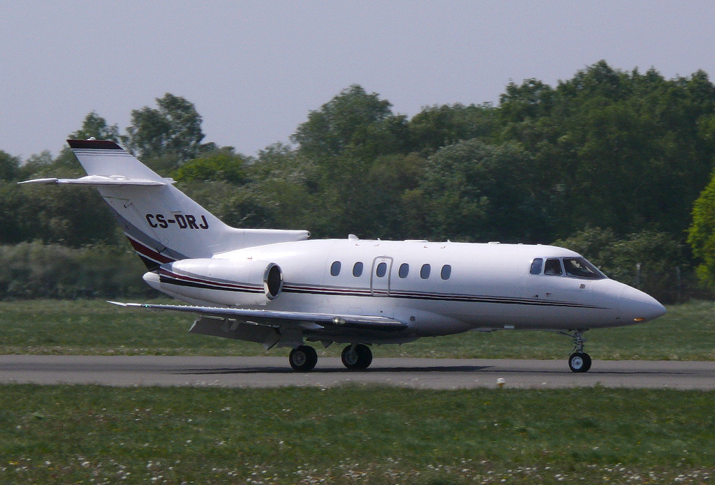 Netjets Raytheon Hawker 800XP  CS-DRJ<br /> By Clive Featherstone.