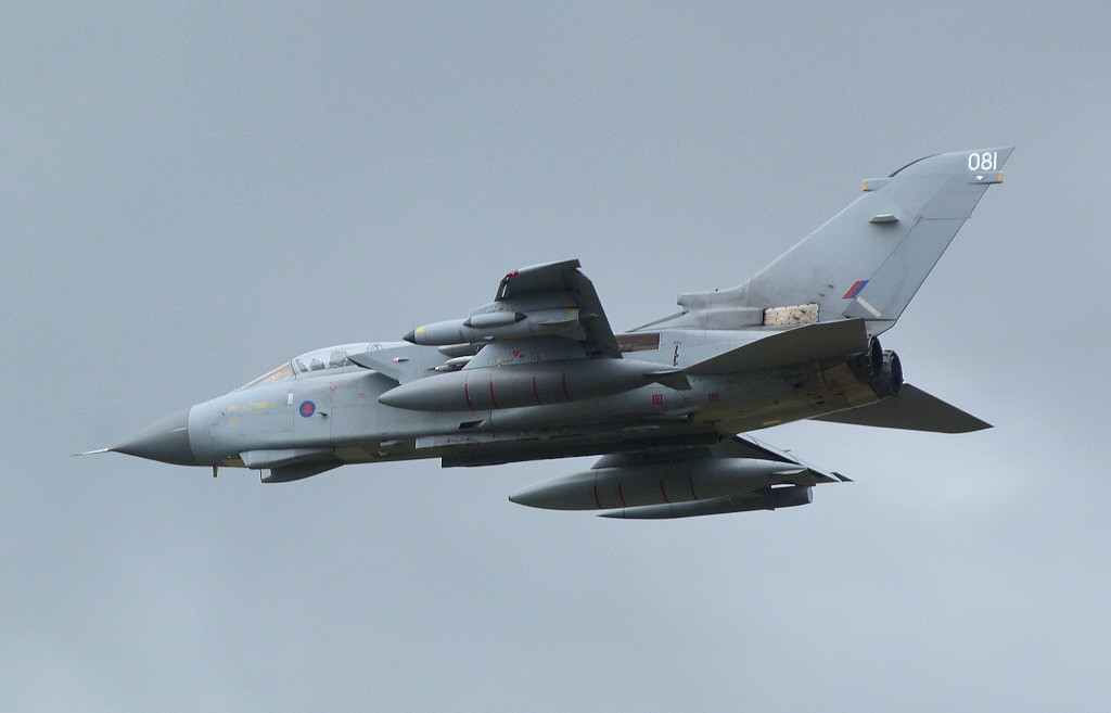 Tornado GR.4 ZD713/081 makes a low pass along rnwy 20.<br /> By Clive Featherstone.