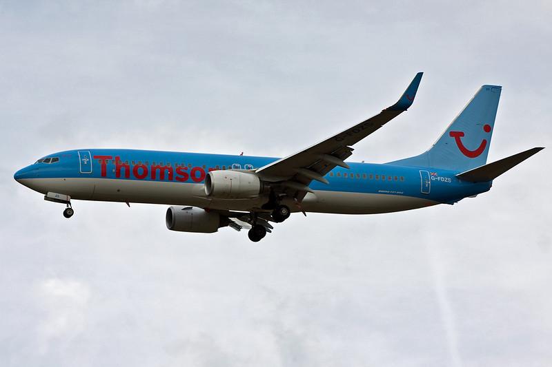 Thomson Airways 737-800 G-FDZS. By David Bladen.