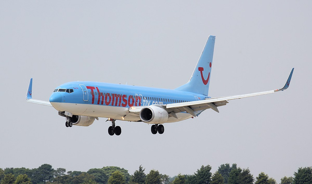 Thomson Airways 737-800 G-FDZA.<br /> By Jim Calow.