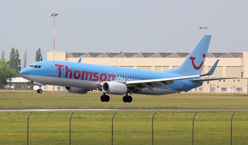 Thomson Airways 737-800 G-FDZA.<br /> By Jim Calow.